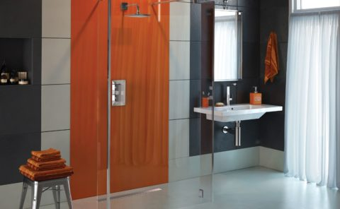 Accessible-Home-Store-Anchorage-Stylus-Glass-Shower-Panel